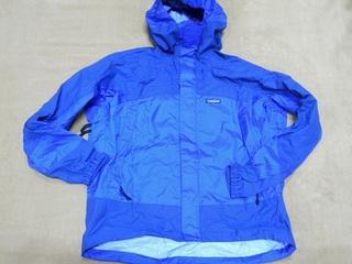 2018-04 ● パタゴニア 青いジャケット.jpg