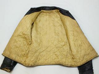 2018-12-22-leathercoat (7).jpg